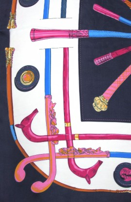 Pañuelo estampado Versace marino.
